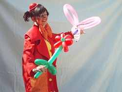 Moppet the balloon modelling clown (balloon twister)